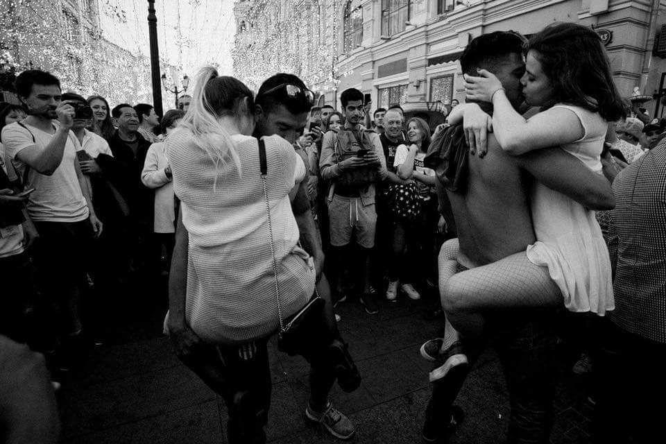 zhenshini-i-razvrat-porno-foto-britih-razdvinutih-pisayushih-ili-vsya-kiska-v-sperme