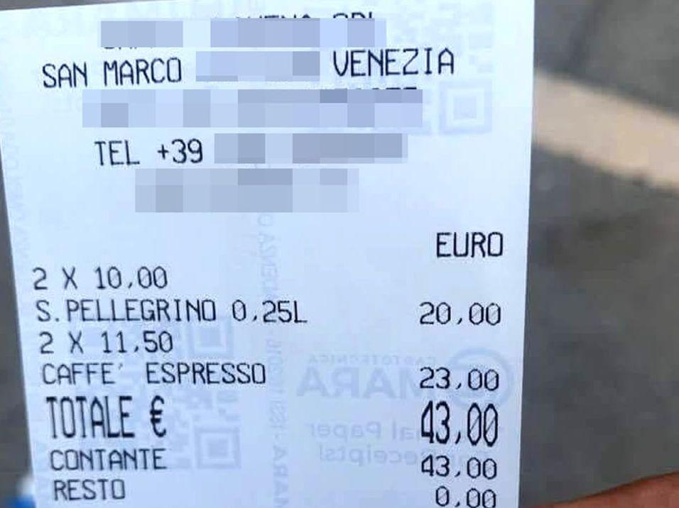 Два кофе и вода - 3300 рублей! Барыги Венеции продолжают доить туристов #италия