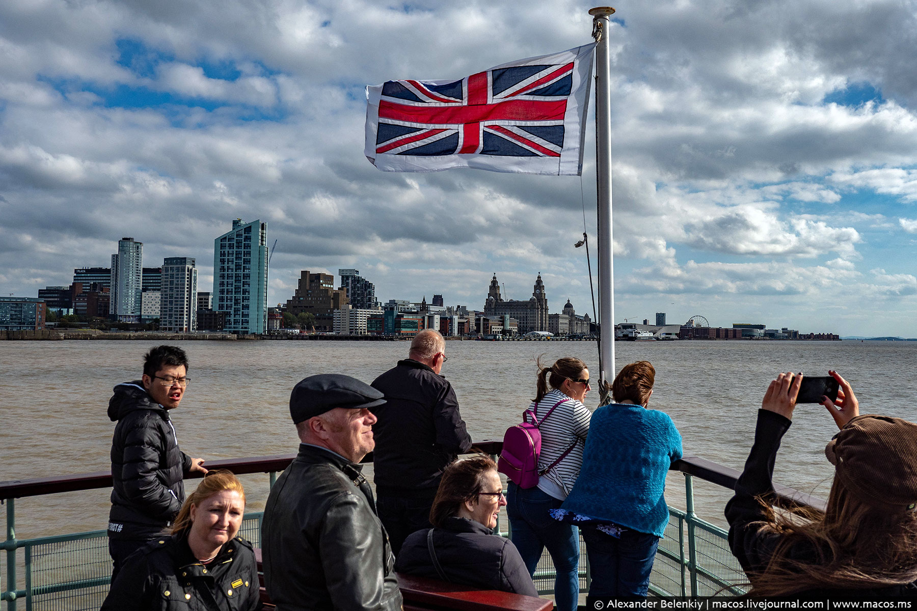 «Великобритания не пускает россиян»
