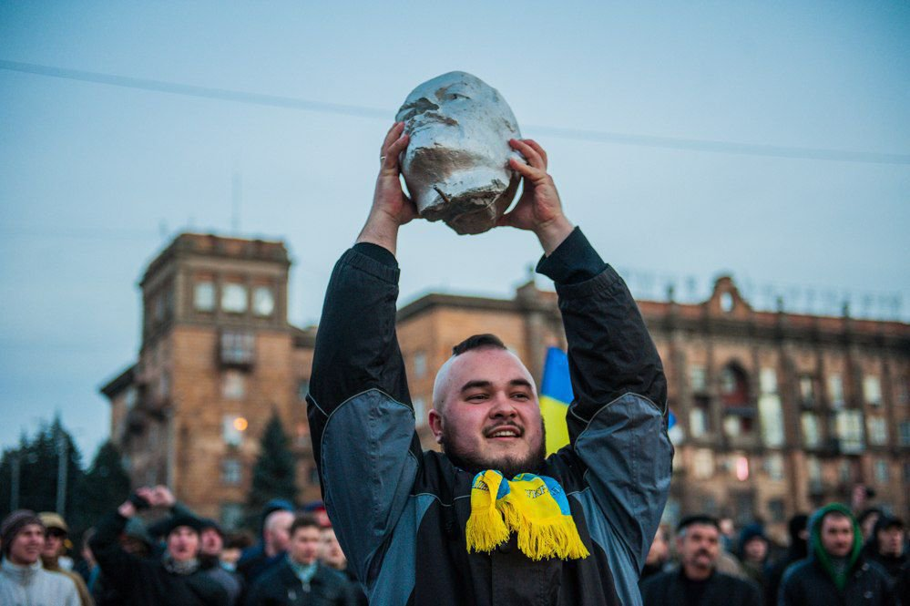 Украина без Ленина. В Киеве снесли последний памятник советскому вождю