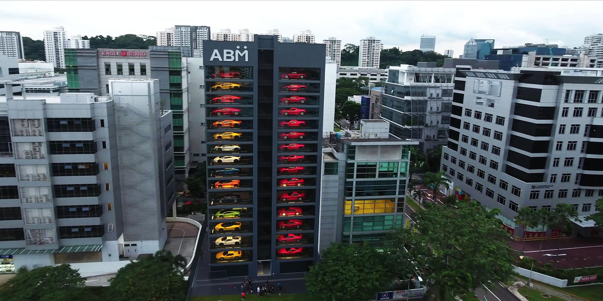 В Сингапуре построили 15-этажный дом-автомат по продаже автомобилей