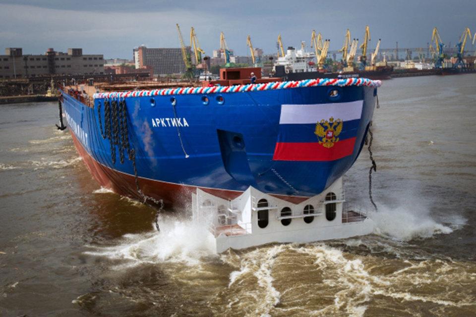 """В Питере спустили на воду новый ледокол """"Сибирь"""""""