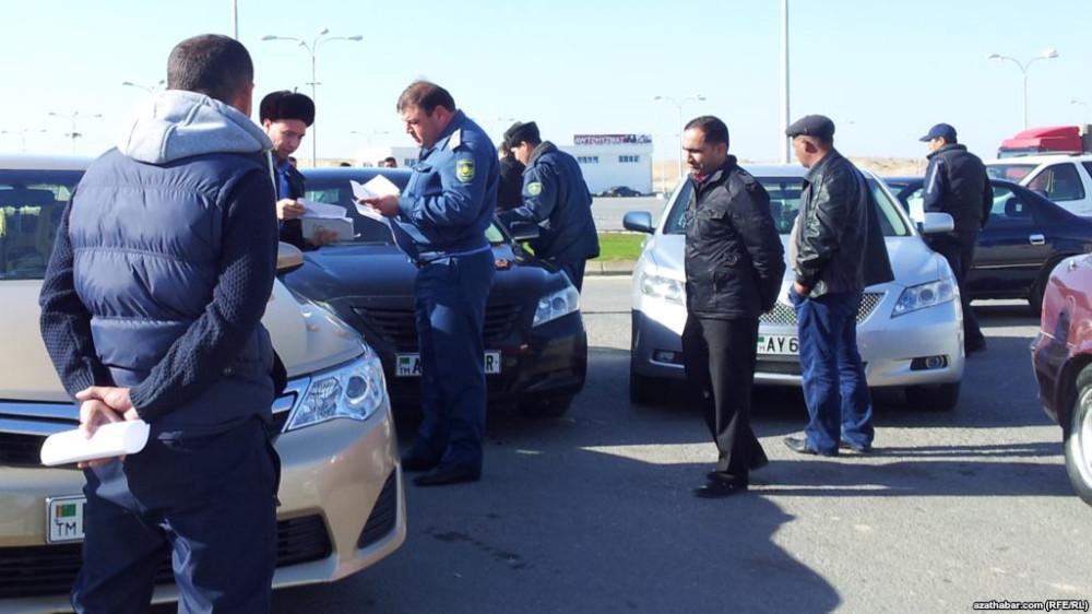 Дорогу белым! Туркменский уличный расизм