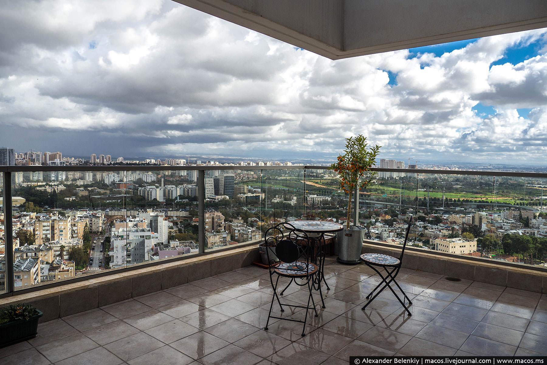 Скромная квартира за миллион долларов. Как живут в Израиле