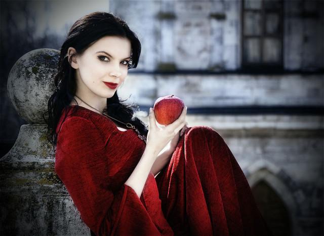 http://pics.livejournal.com/madam_garneta/pic/0001yrs0/s640x480