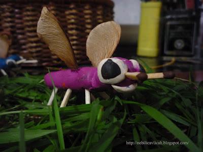 мухи из пластилина