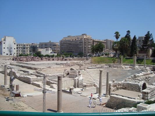 Александрия, руины древнего амфитеатра