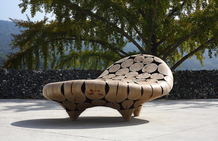 Работы корейского дизайнера Jae Hyo Lee — мебель и элементы декора из обработанных сосновых бревен. 1