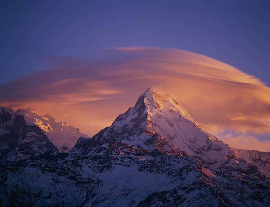Аннапурна (Гималаи).8091 м. Самая опасная гора с коэффициентом смертности 37,91%.