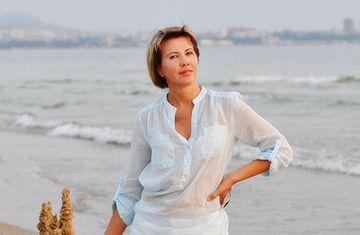 Чем занимается жена Анатолия Сердюкова, зарабатывающая в пять раз больше мужа