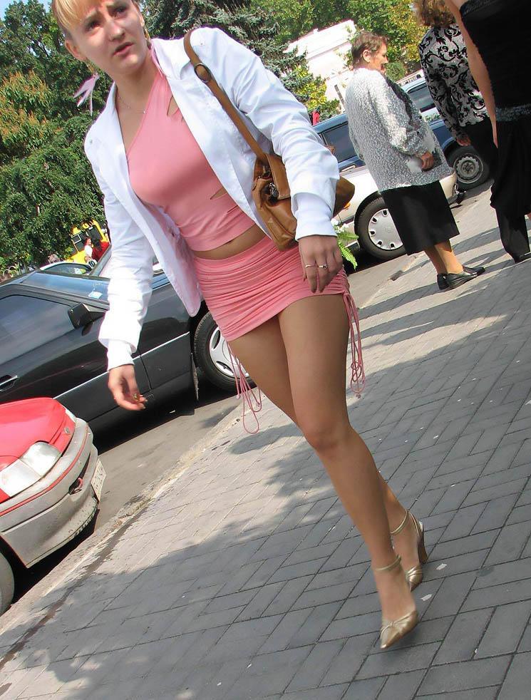 foto-tetki-v-mini-pokaz-dayut-porno-lyubitelskaya-semka-russkie