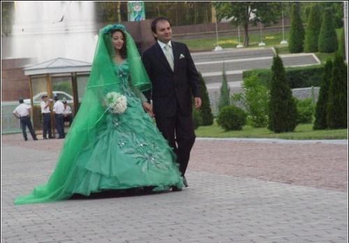 Безвкусное свадебное платье