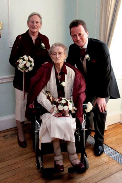 самая старая подружка невесты