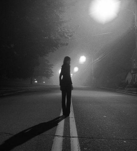 девушка в ночи
