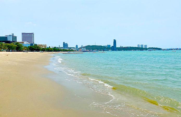 Pattaya beaches 02.jpg
