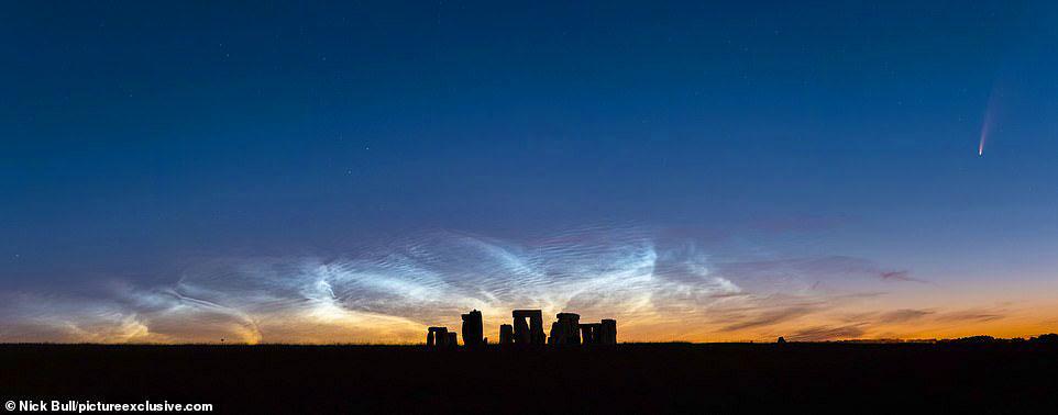 Comet Neowise over Stonehenge by Nick Bull 2.jpg