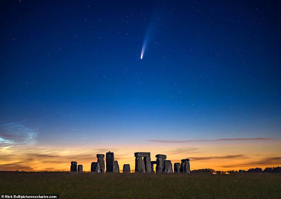 Comet Neowise over Stonehenge by Nick Bull.jpg