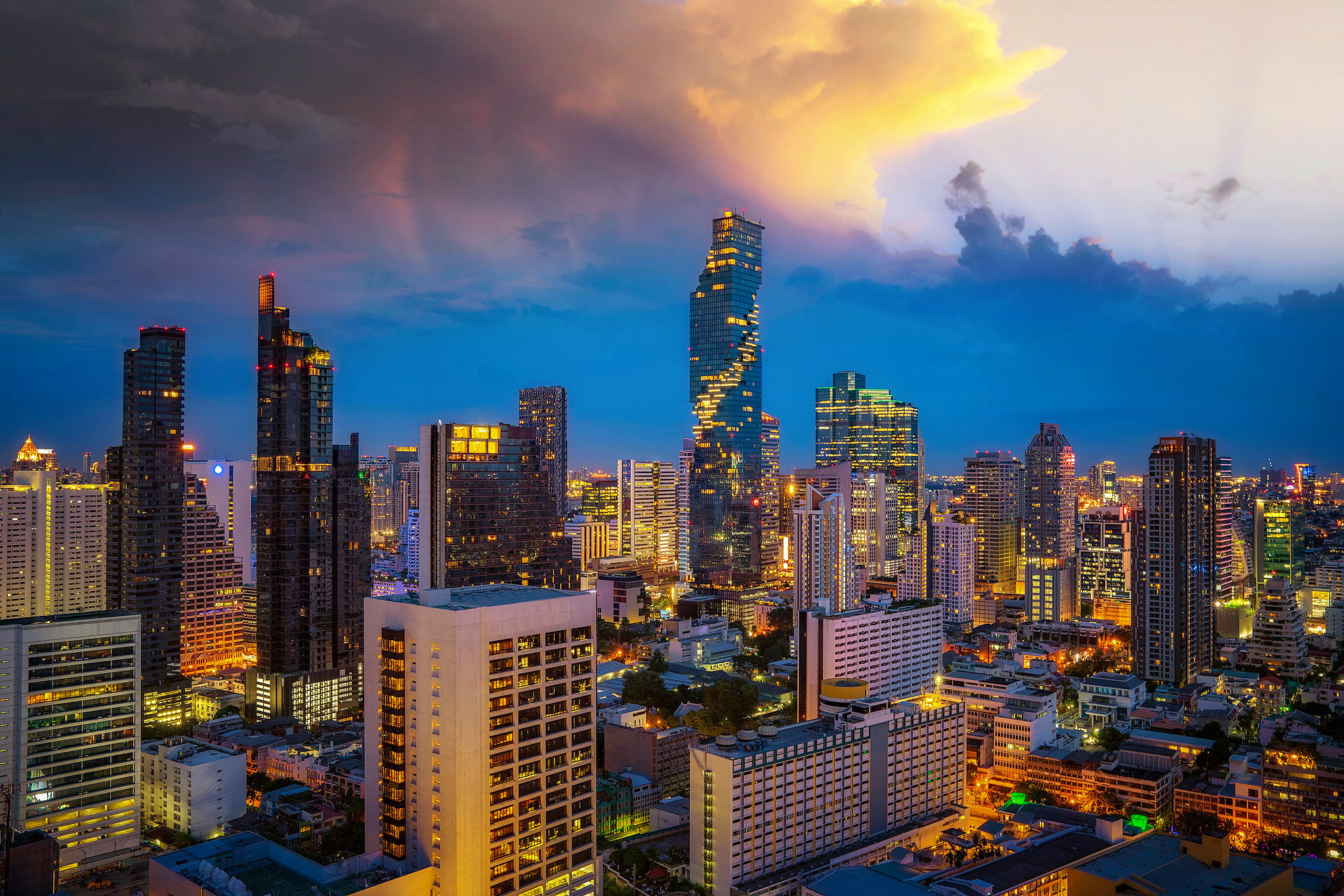 Bangkok 04 by Anek Suwannaphoom.jpg