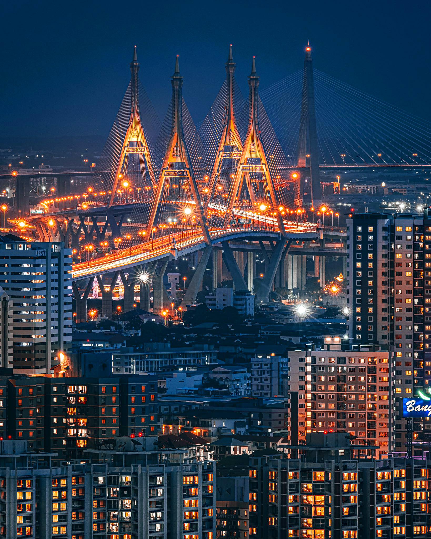 Bangkok by Kan Kankavee 01.jpg
