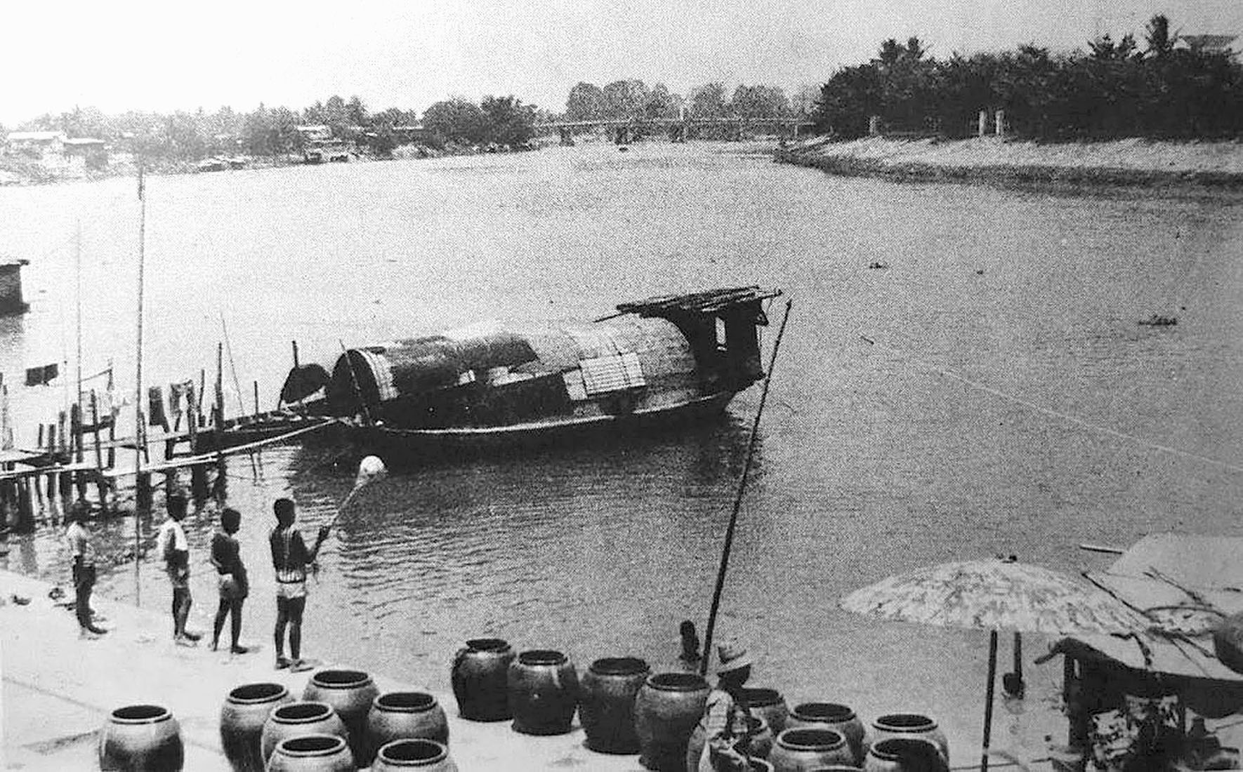 1922 Chiang Mai river scene.jpg