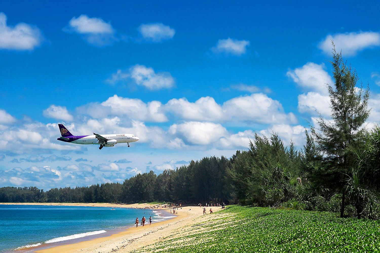 THAI plane over beach.jpg
