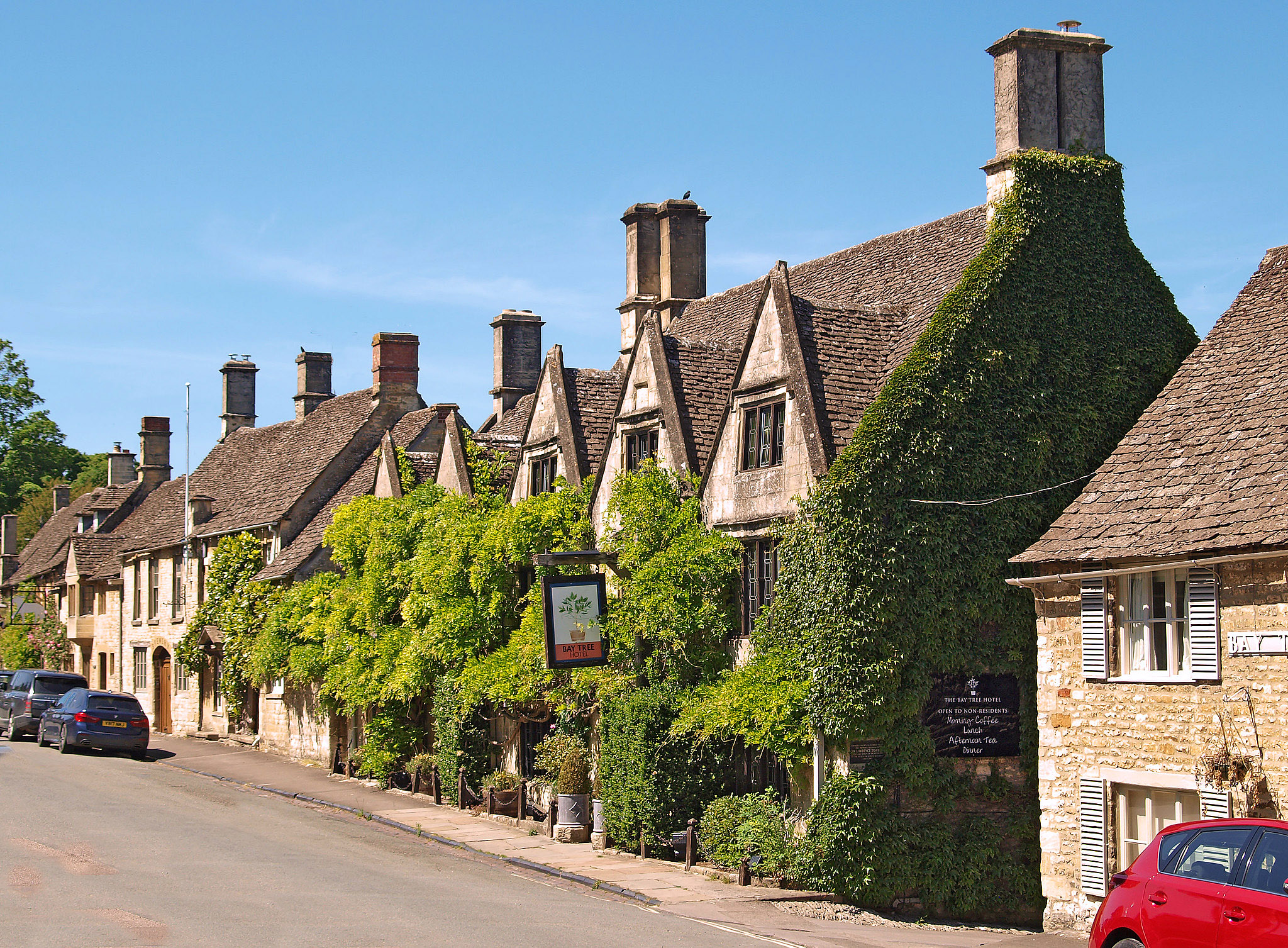 The Bay Tree, Sheep St. Burford, Oxfordshire by Andrew S Brown.jpg