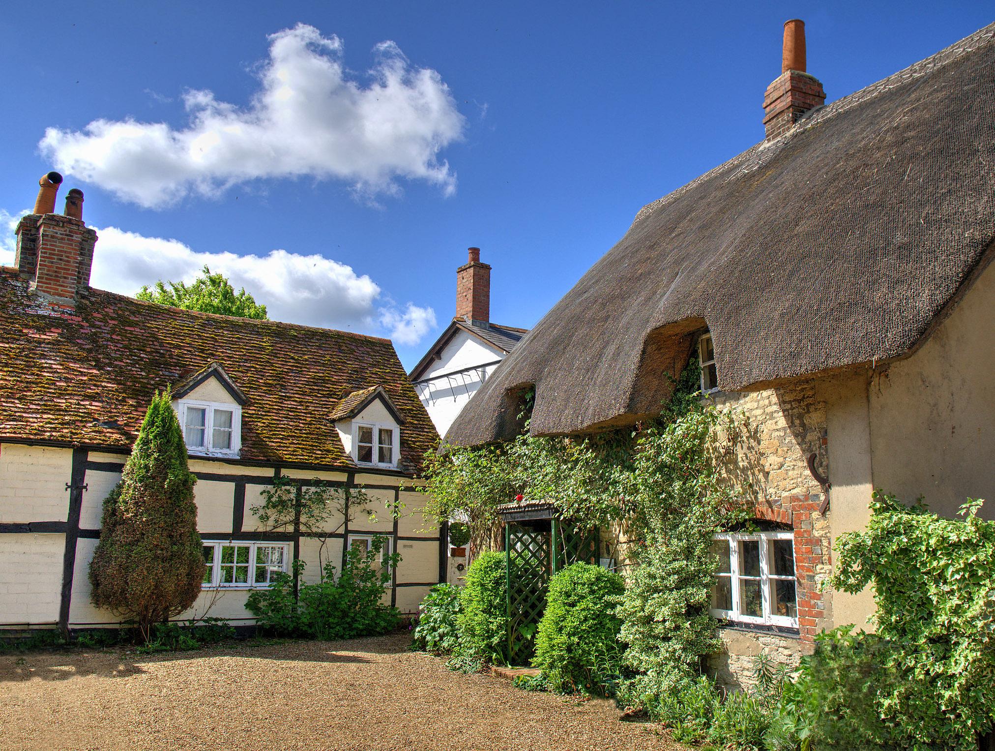 Dorchester Cottages by Howard Somerville.jpg