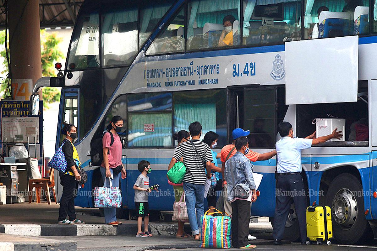 Thai bus 2005 03.jpg