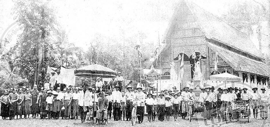 1915 Scene from tamboon, Wat Phra Singh, Chiang Rai.jpg