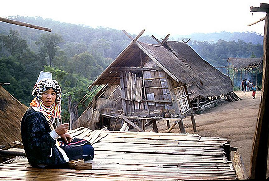 1989 Chiang Rai Province - Akha village.jpg