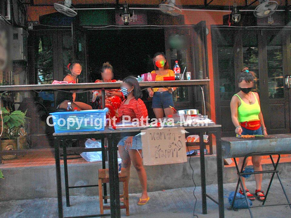 Bar-girls in Pattaya.jpg