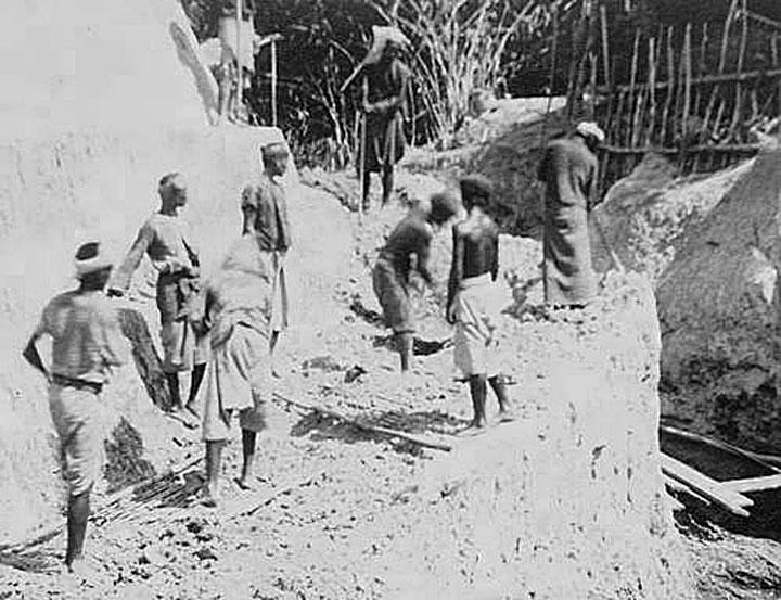 Phuket tin mining operations of 1900 04.jpg