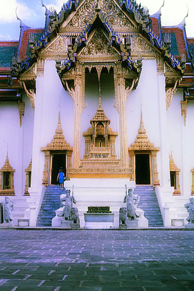 Bangkok-in-the-1960s by Santos Torres 02.jpg