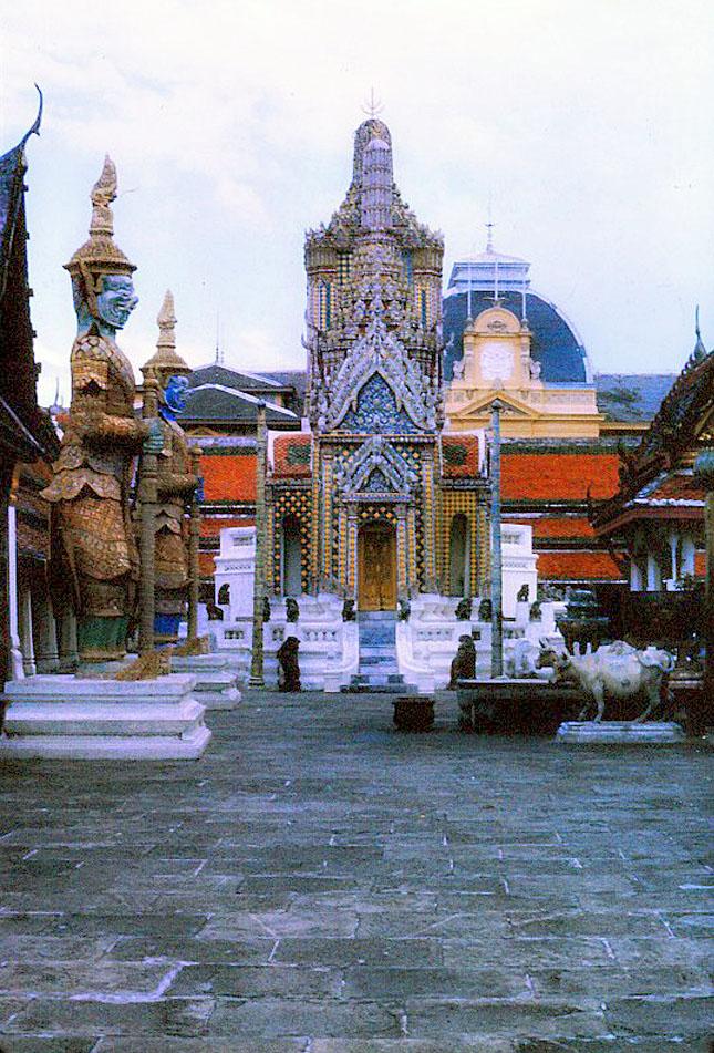 Bangkok-in-the-1960s by Santos Torres 04.jpg