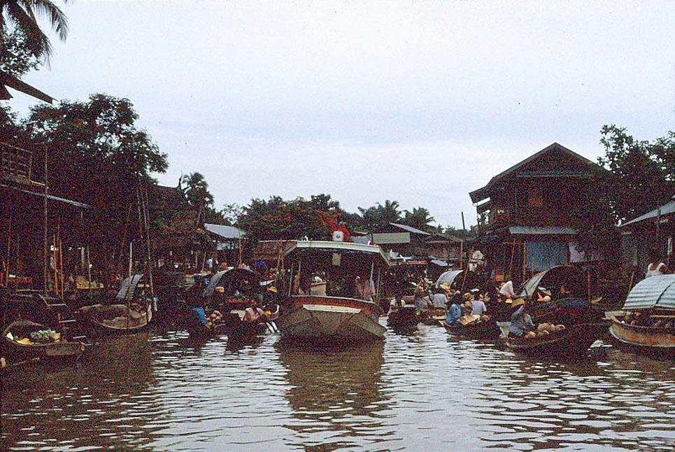 Jan-1967-bangkok-capital-of-thailand by Santos Torres 07.jpg