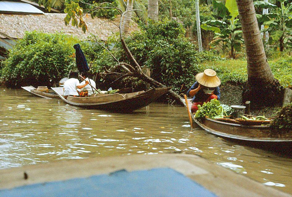 Jan-1967-bangkok-capital-of-thailand by Santos Torres 15.jpg
