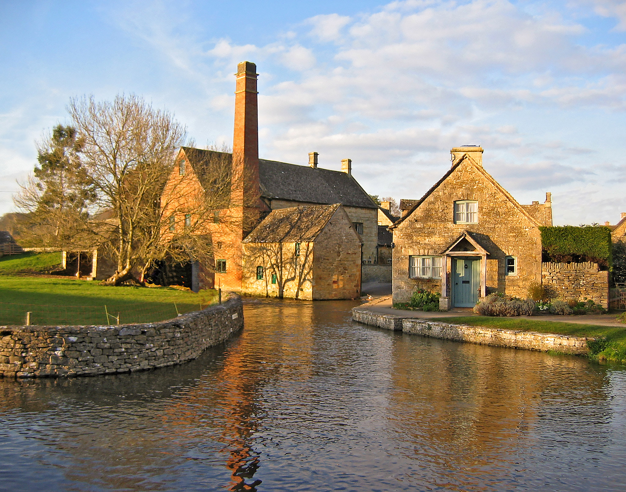 Lower Slaughter, Gloucestershire by Andrew S Brown.jpg