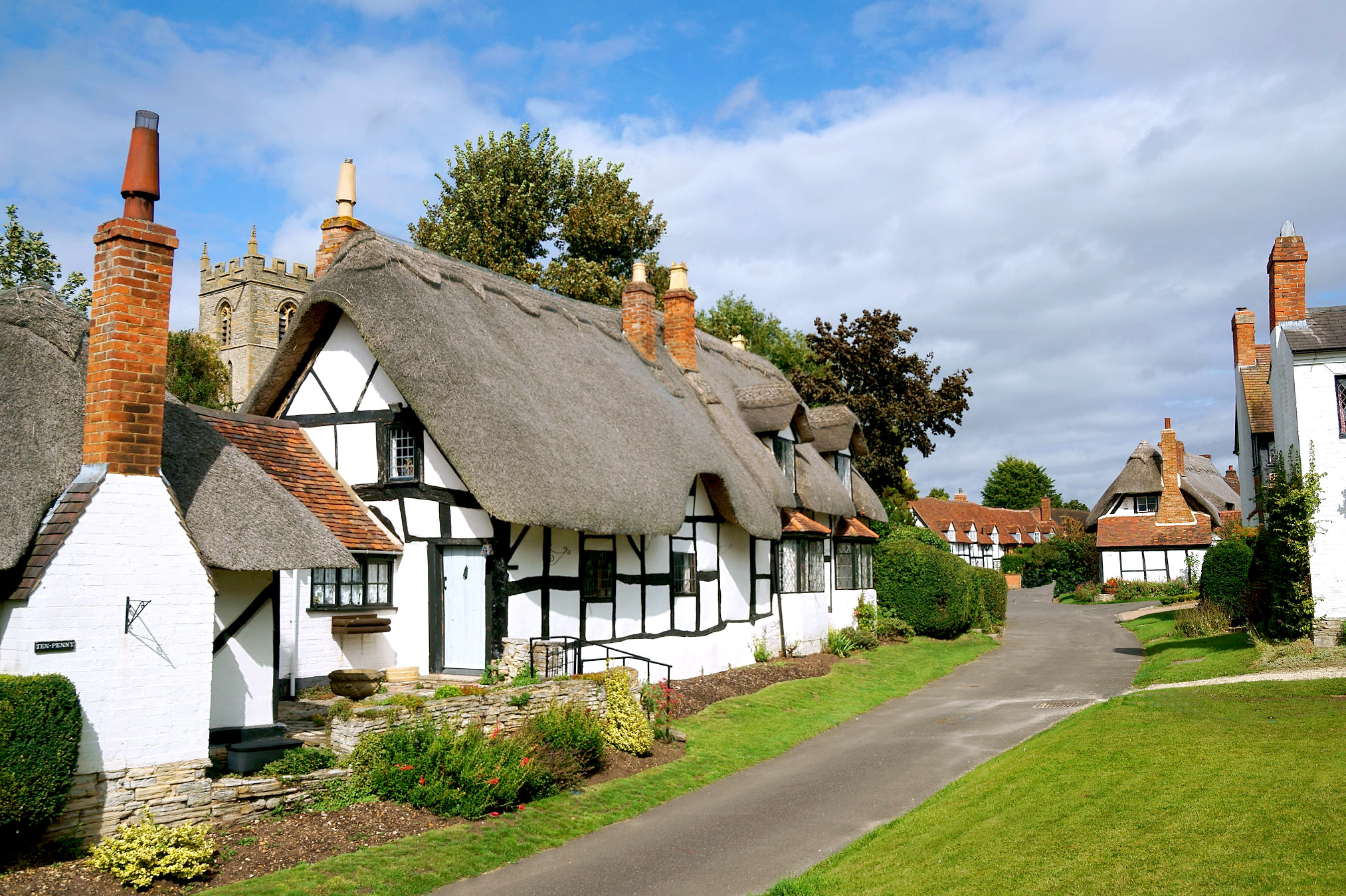 Welford on Avon, Warwickshire by Howard Somerville.jpg