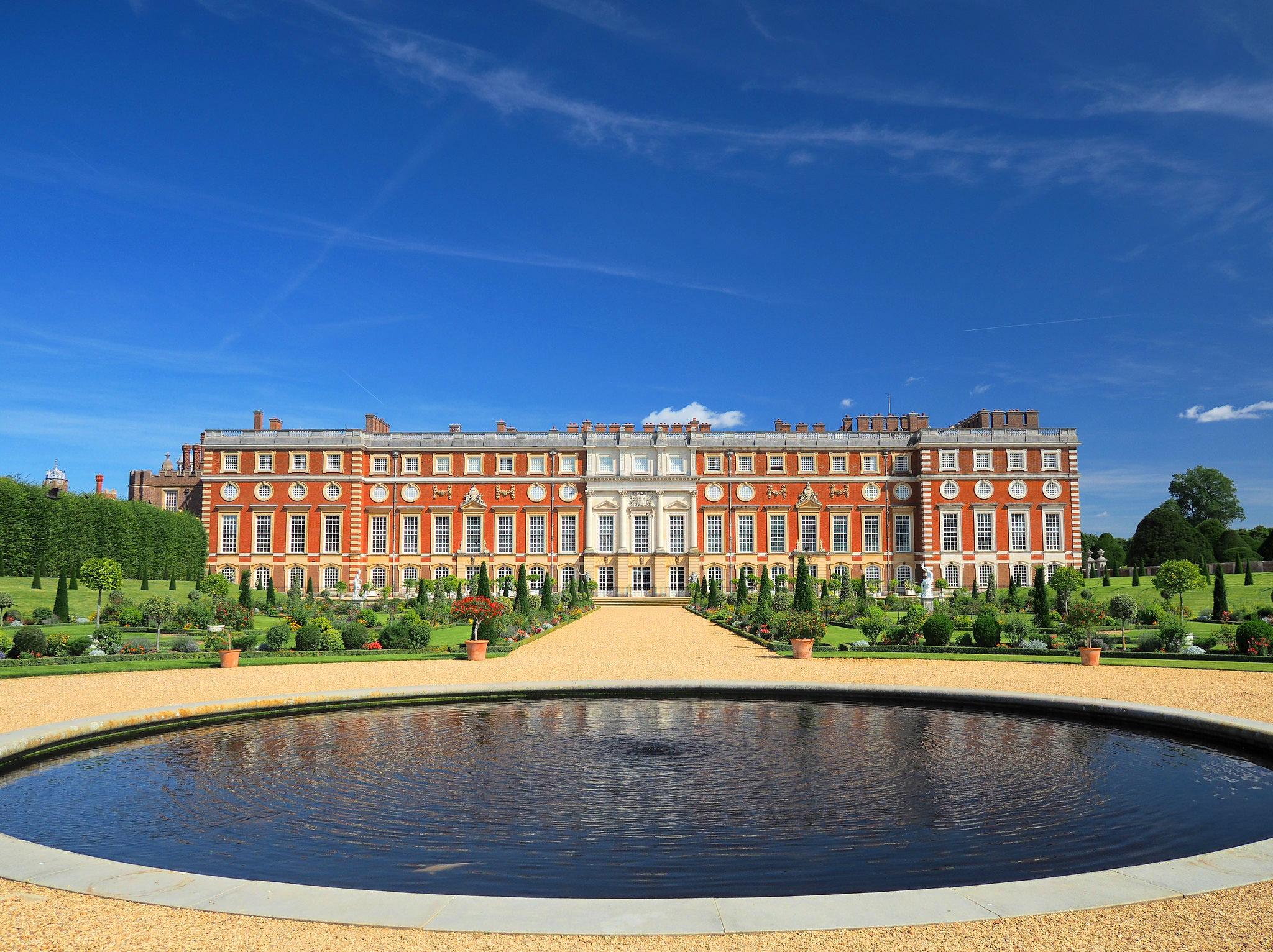 Hampton Court by Dmitry Djouce.jpg