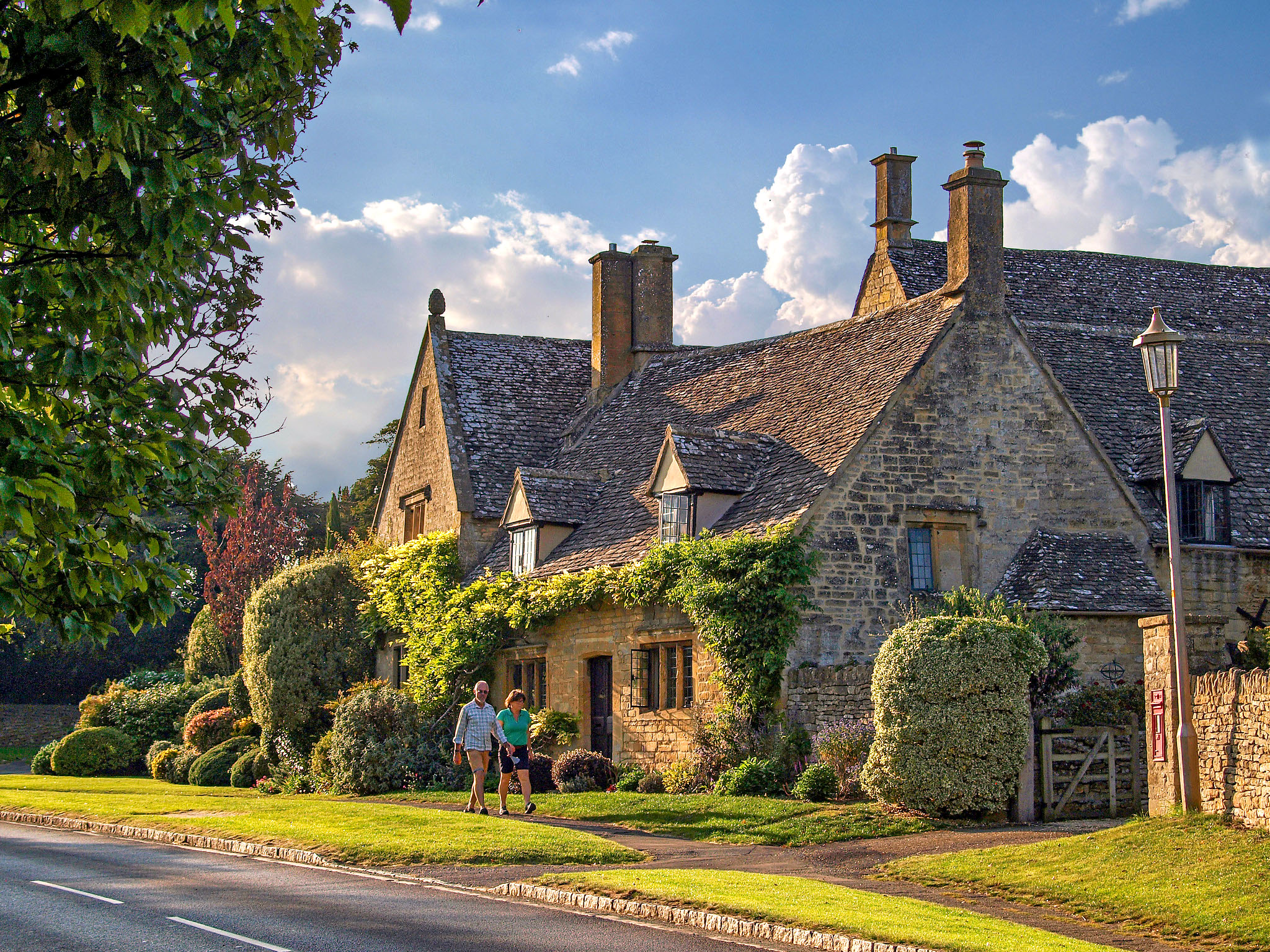 Westington, Chipping Campden, Gloucestershire by Andrew S Brown.jpg