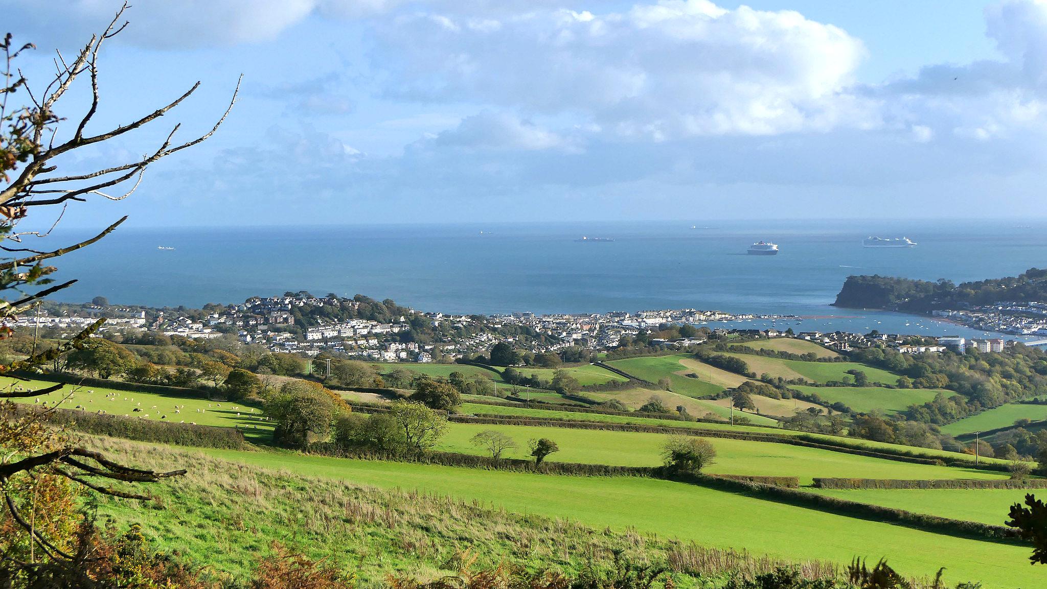 Teignmouth, Devon by Geoff Upward.jpg