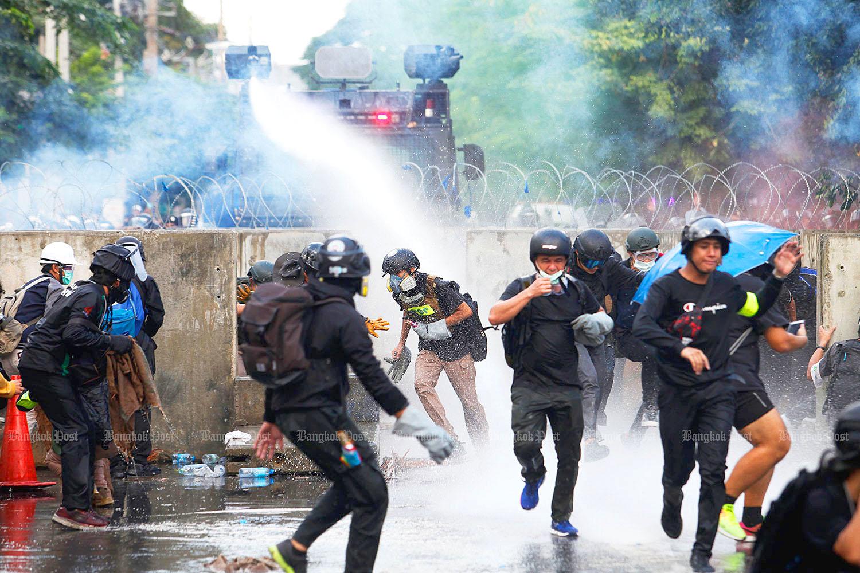Bangkok protests by Wichan Charoenkiatpakul.jpg