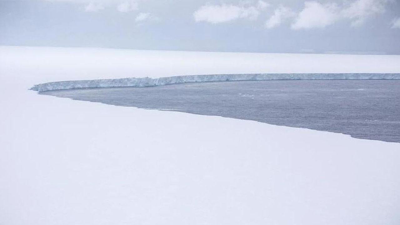 A68a Iceberg 01.jpg