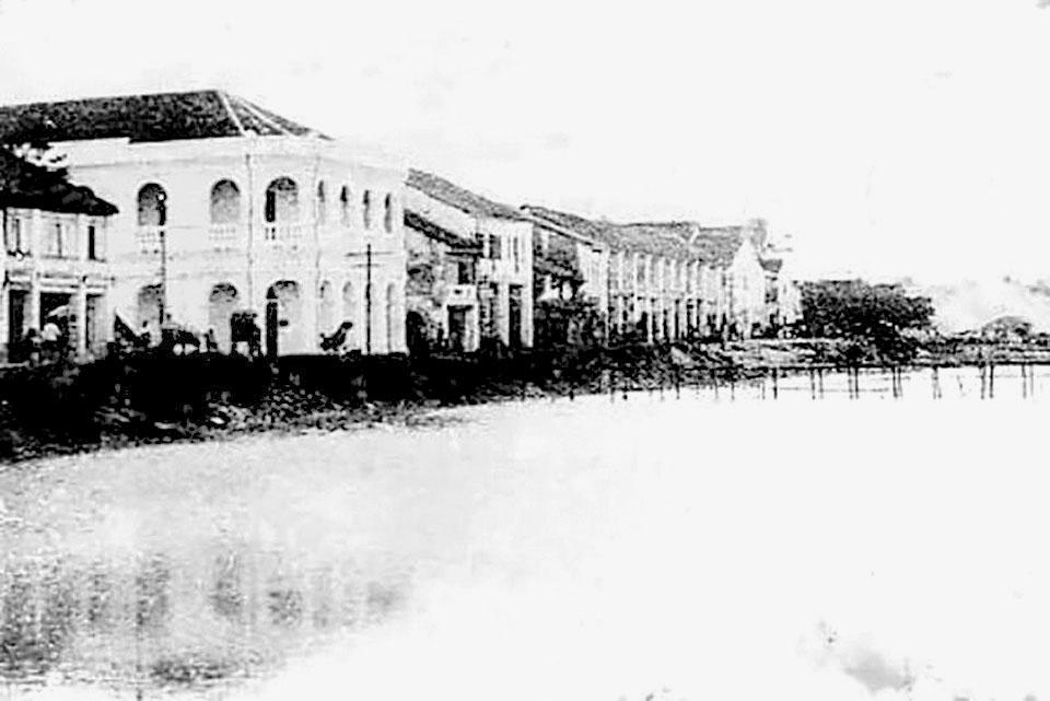 1900 Phuket city as seen along the Bang Yai Khlong.jpg
