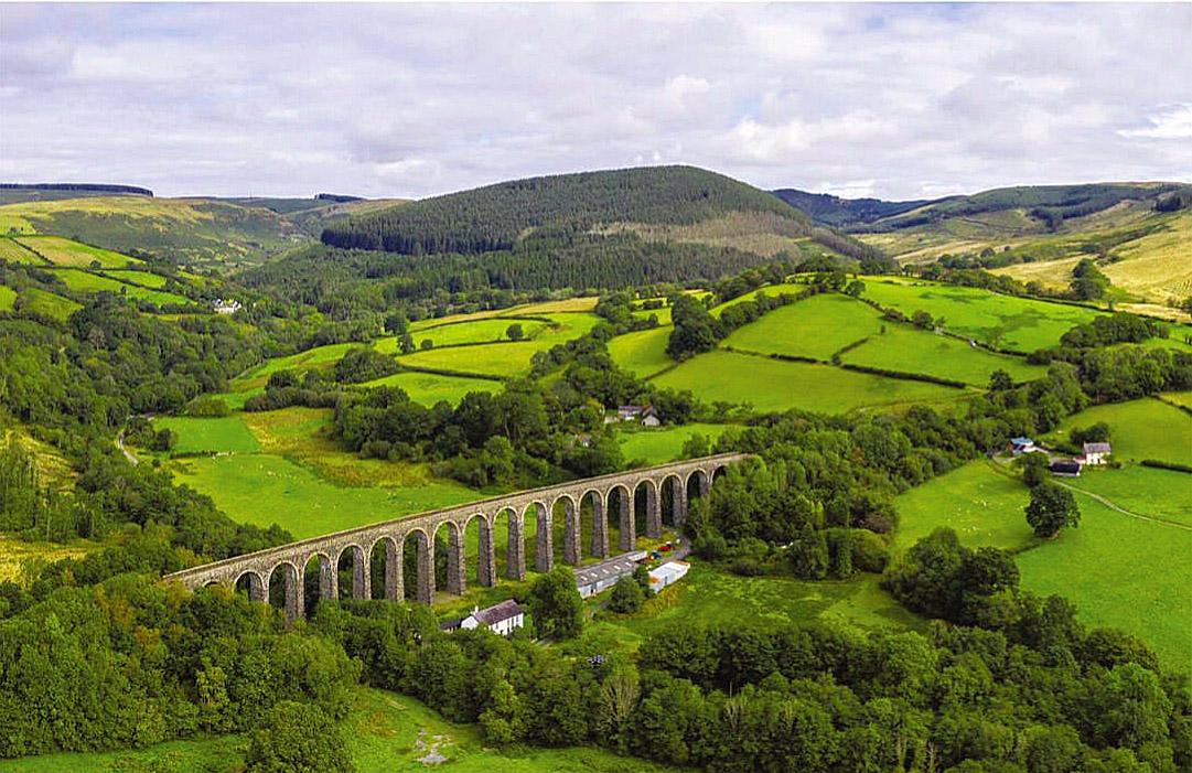 Cynghordy Railway Viaduct, Central Wales.jpg