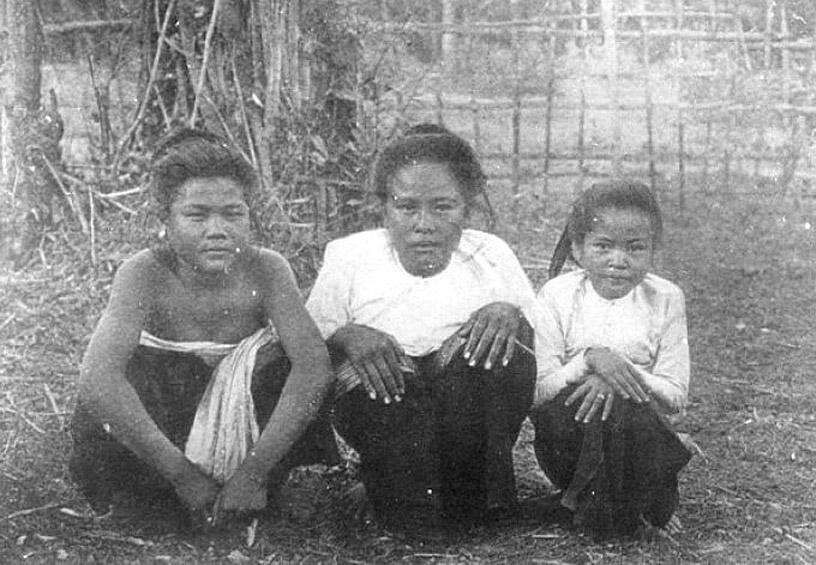 1934 Ladies of Amphoe Fak Tha, Uttaradit Province.jpg