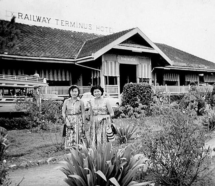 1960 Ladies posing in front of Chiang Mai's station hotel.jpg