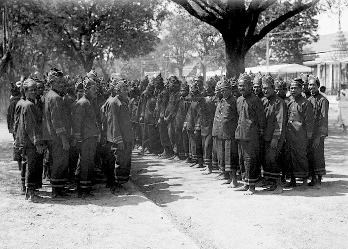 1911 King Chulalongkorn's cremation procession 12.jpg