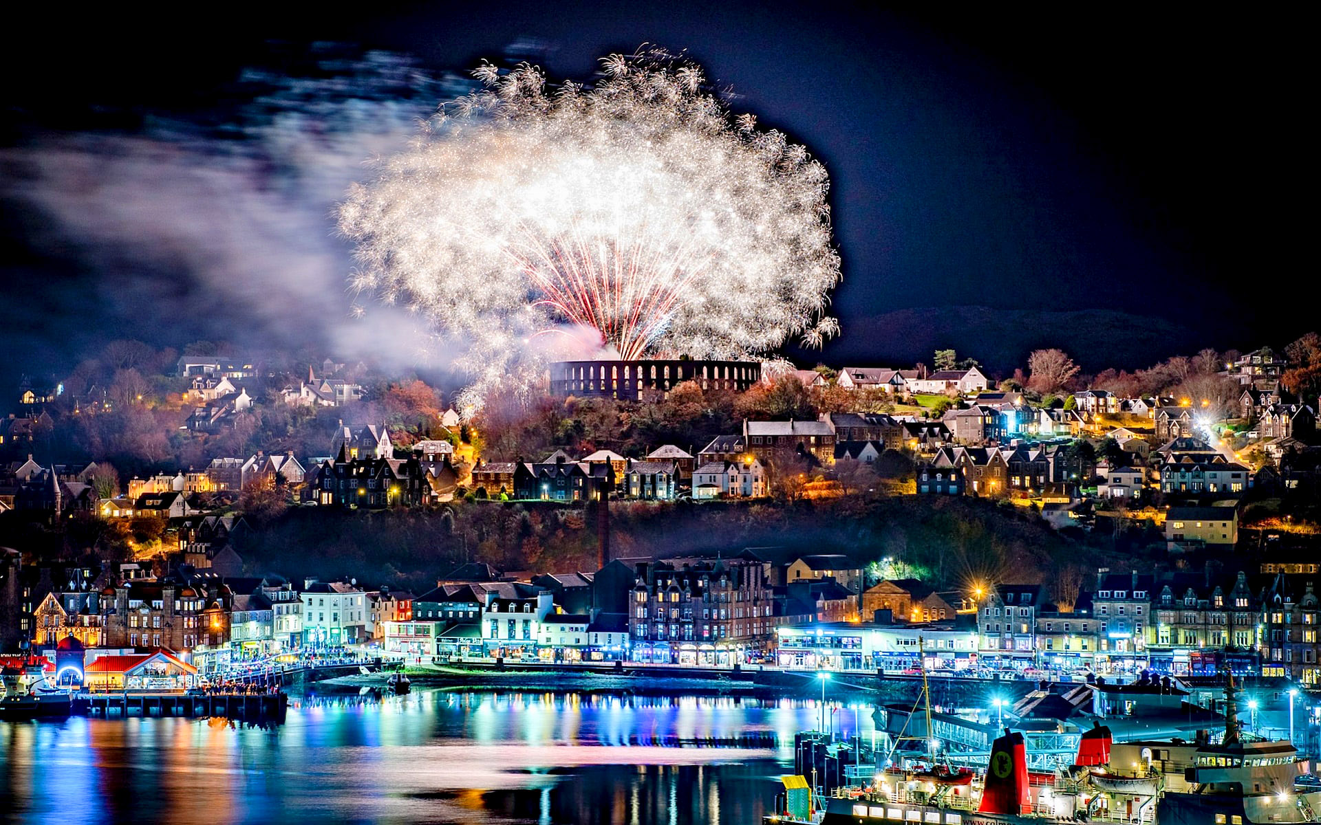 Fireworks at the end of the Winter Festival in Oban, Scotland by Nick Edginton.jpg