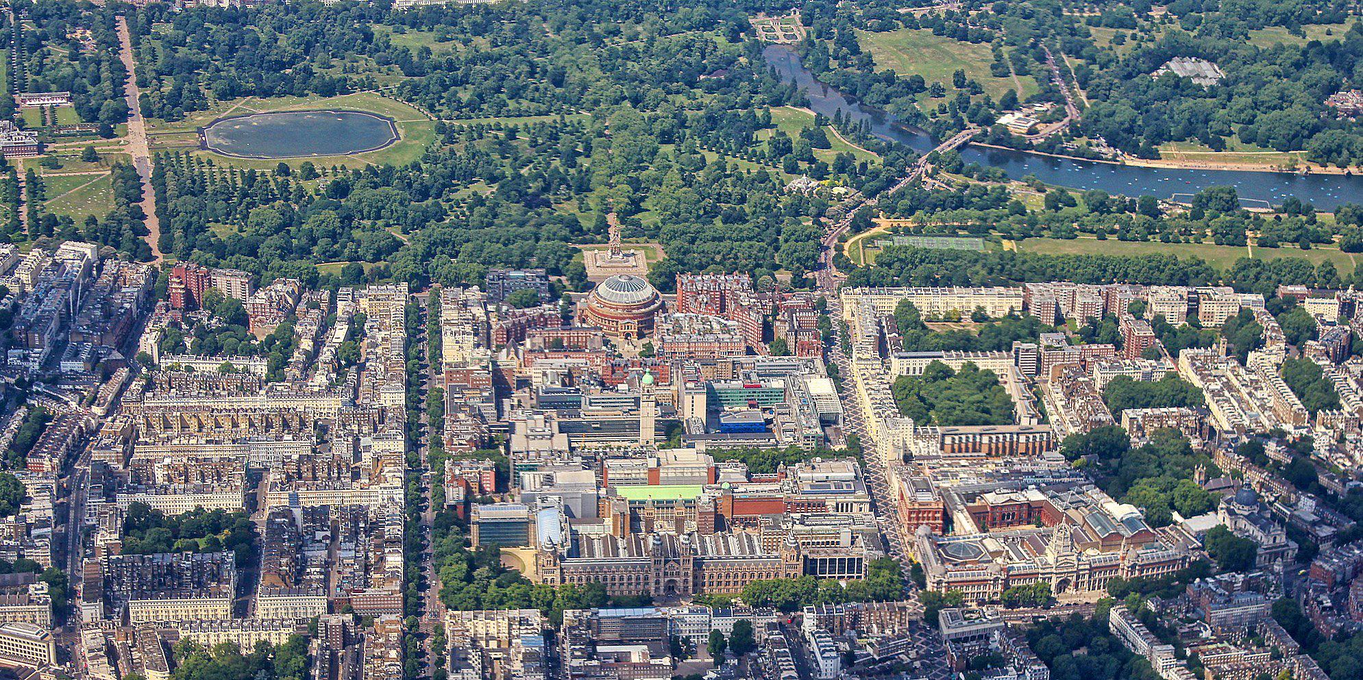 Kensington, London by Ray in Manila.jpg